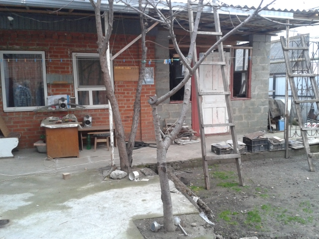 Дом в Майкоп район Кужорский переезд (перед ж/д)