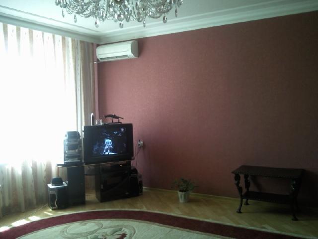 Квартира 5 комнатная в Майкоп район Черемушки СШ № 2